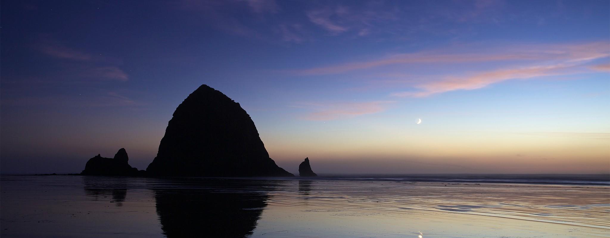 Crescent-Moon-Haystack-Rock-TR